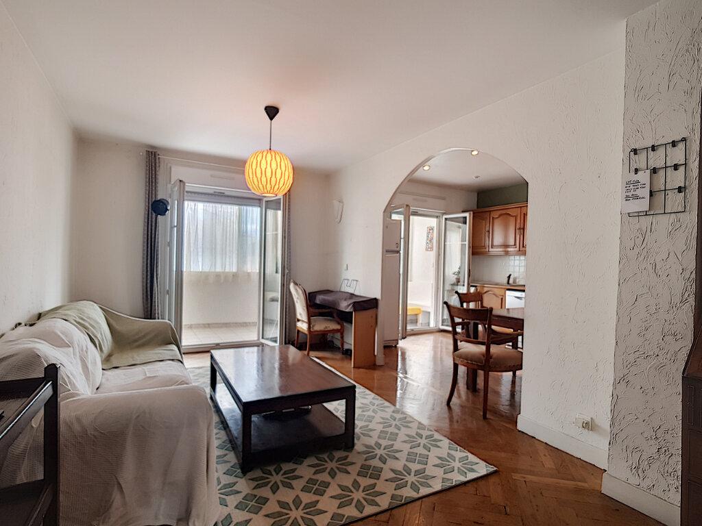 Appartement à louer 3 78.75m2 à Nice vignette-1
