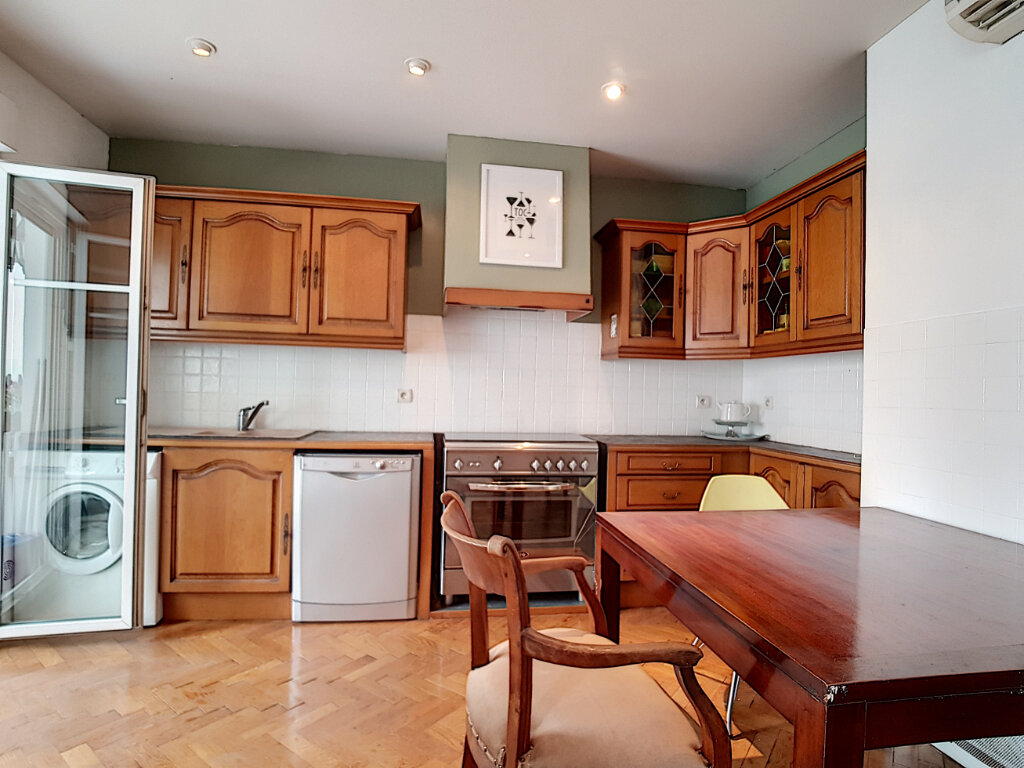 Appartement à louer 3 78.75m2 à Nice vignette-2