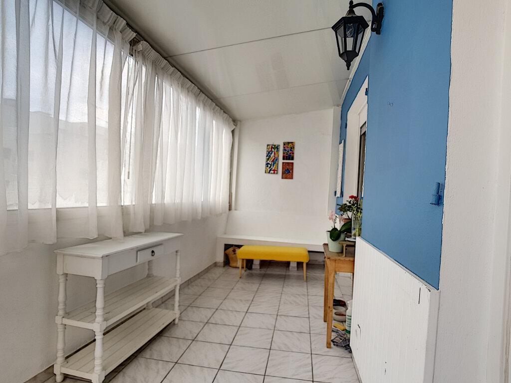 Appartement à louer 3 78.75m2 à Nice vignette-5