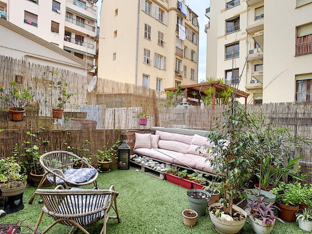 Appartement à louer 3 78.75m2 à Nice vignette-8