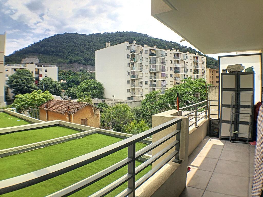 Appartement à louer 3 54m2 à Nice vignette-1
