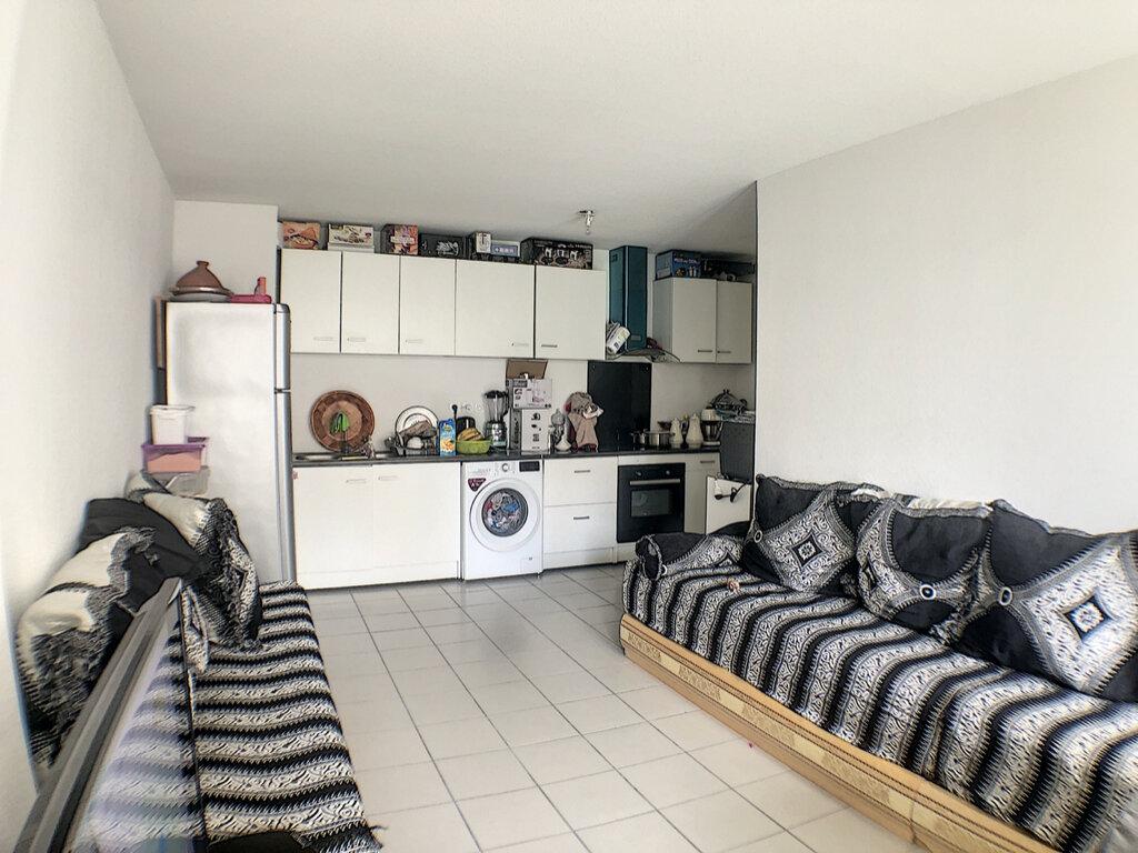 Appartement à louer 3 54m2 à Nice vignette-2
