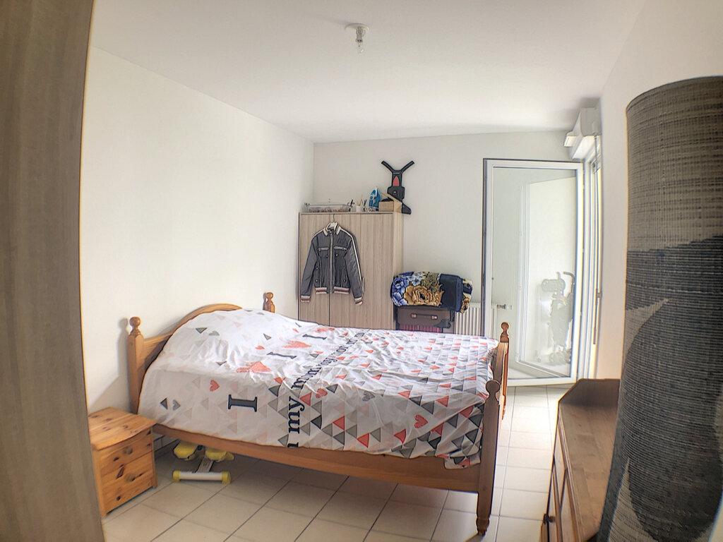 Appartement à louer 3 54m2 à Nice vignette-4
