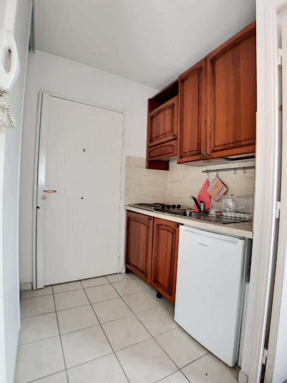 Appartement à louer 2 28.26m2 à Nice vignette-6