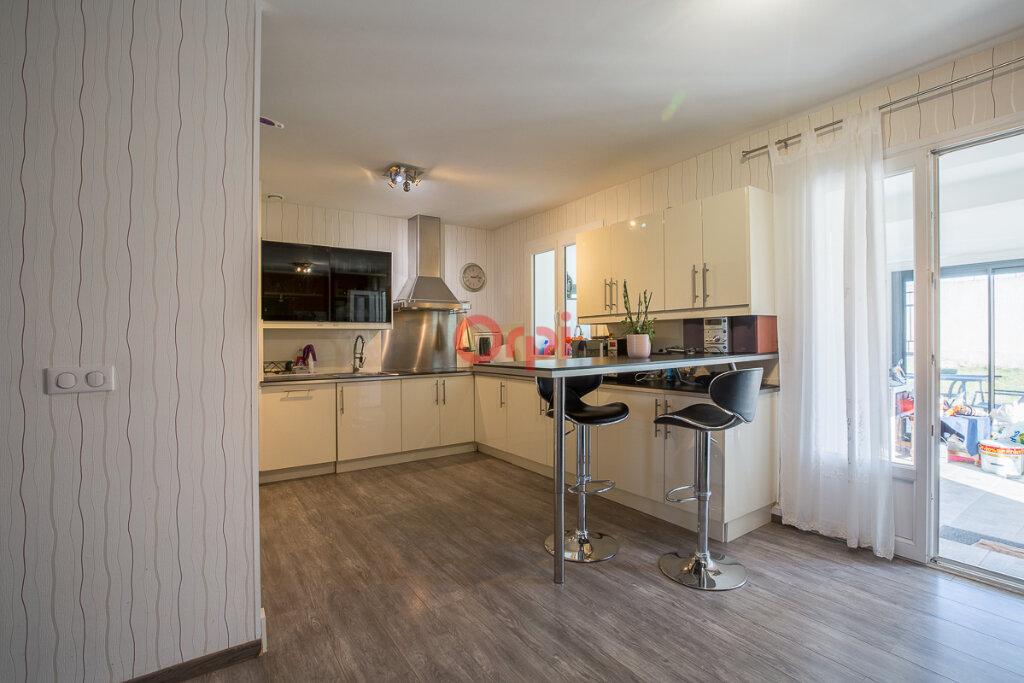 Maison à vendre 5 115m2 à Villeneuve-de-Berg vignette-5