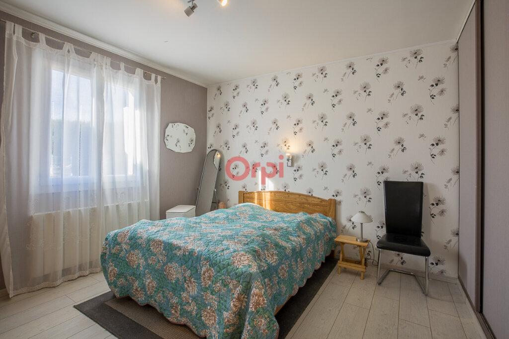 Maison à vendre 5 115m2 à Villeneuve-de-Berg vignette-10