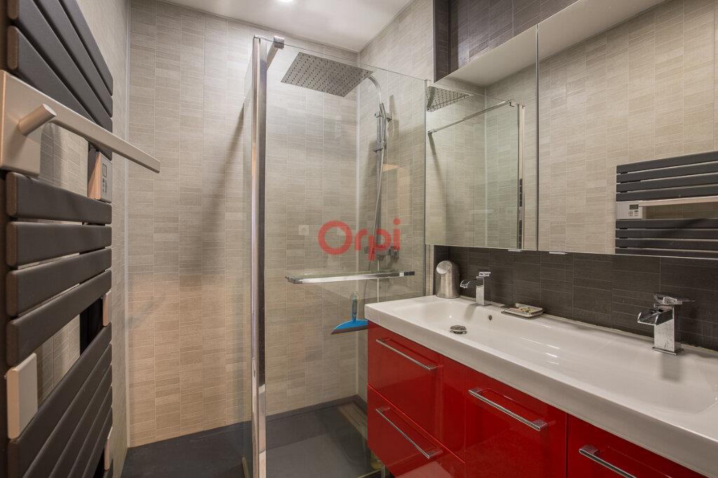 Maison à vendre 5 115m2 à Villeneuve-de-Berg vignette-12