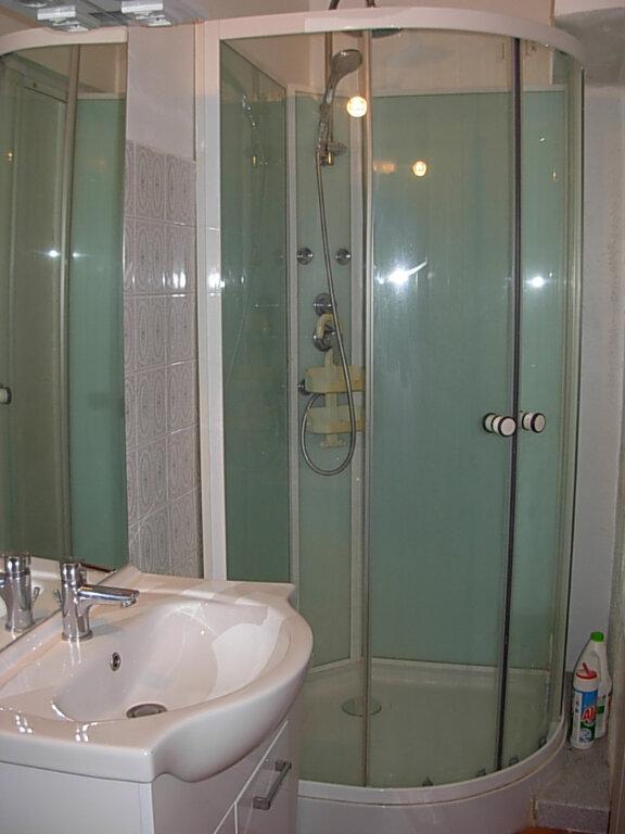 Appartement à louer 2 30m2 à Villeneuve-de-Berg vignette-5
