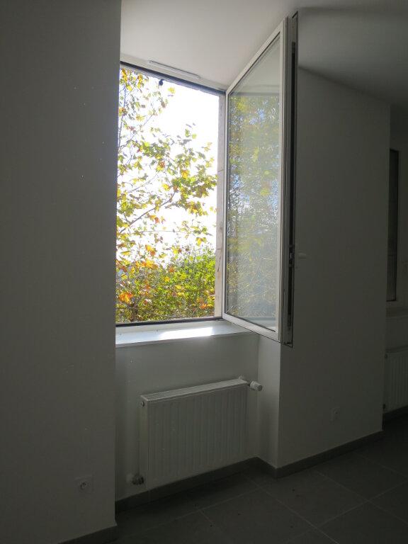 Appartement à louer 3 64.22m2 à Darbres vignette-2