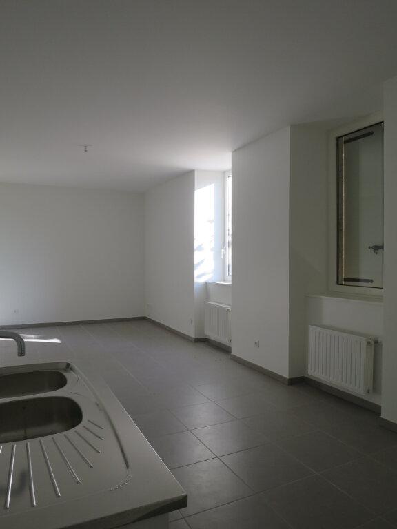 Appartement à louer 3 64.22m2 à Darbres vignette-3