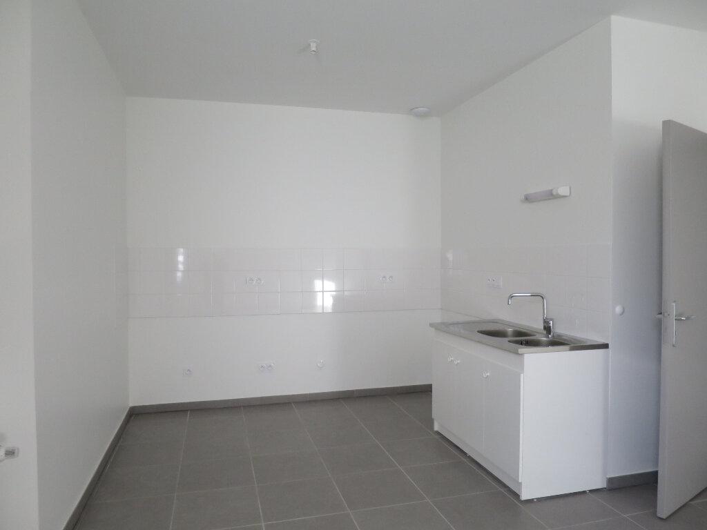 Appartement à louer 3 64.22m2 à Darbres vignette-4