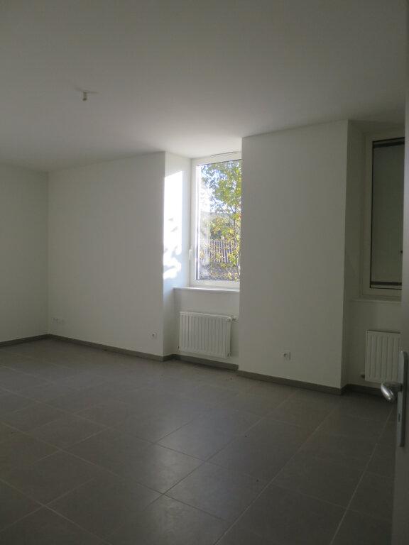 Appartement à louer 3 64.22m2 à Darbres vignette-5