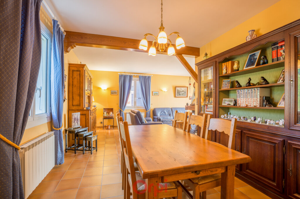 Maison à vendre 4 106m2 à Villeneuve-de-Berg vignette-7