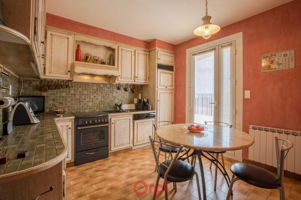 Maison à vendre 4 106m2 à Villeneuve-de-Berg vignette-10