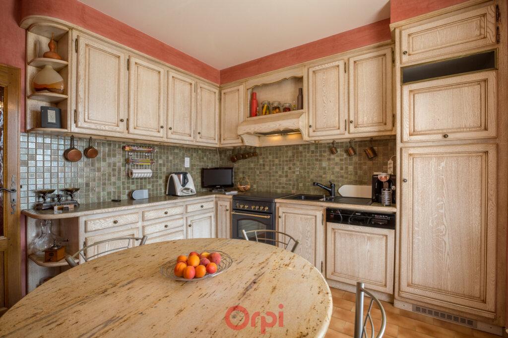 Maison à vendre 4 106m2 à Villeneuve-de-Berg vignette-11