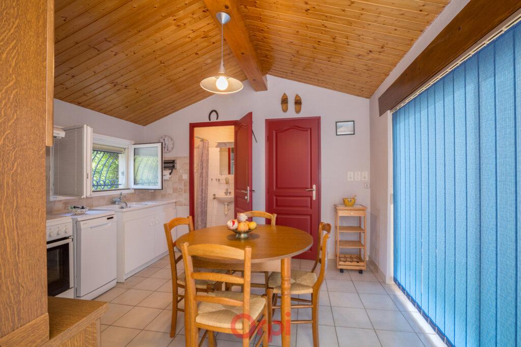Maison à vendre 4 106m2 à Villeneuve-de-Berg vignette-17