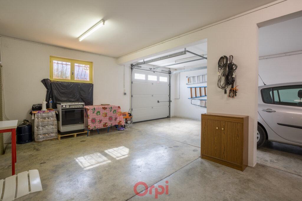 Maison à vendre 4 106m2 à Villeneuve-de-Berg vignette-18