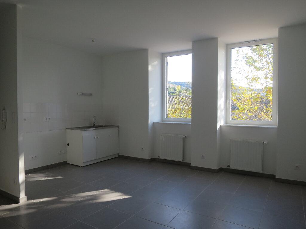 Appartement à louer 2 43m2 à Darbres vignette-1