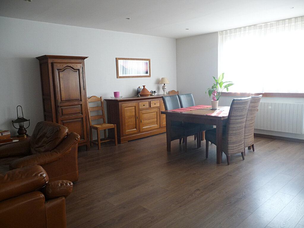 Appartement à vendre 4 101m2 à Bellegarde-sur-Valserine vignette-2