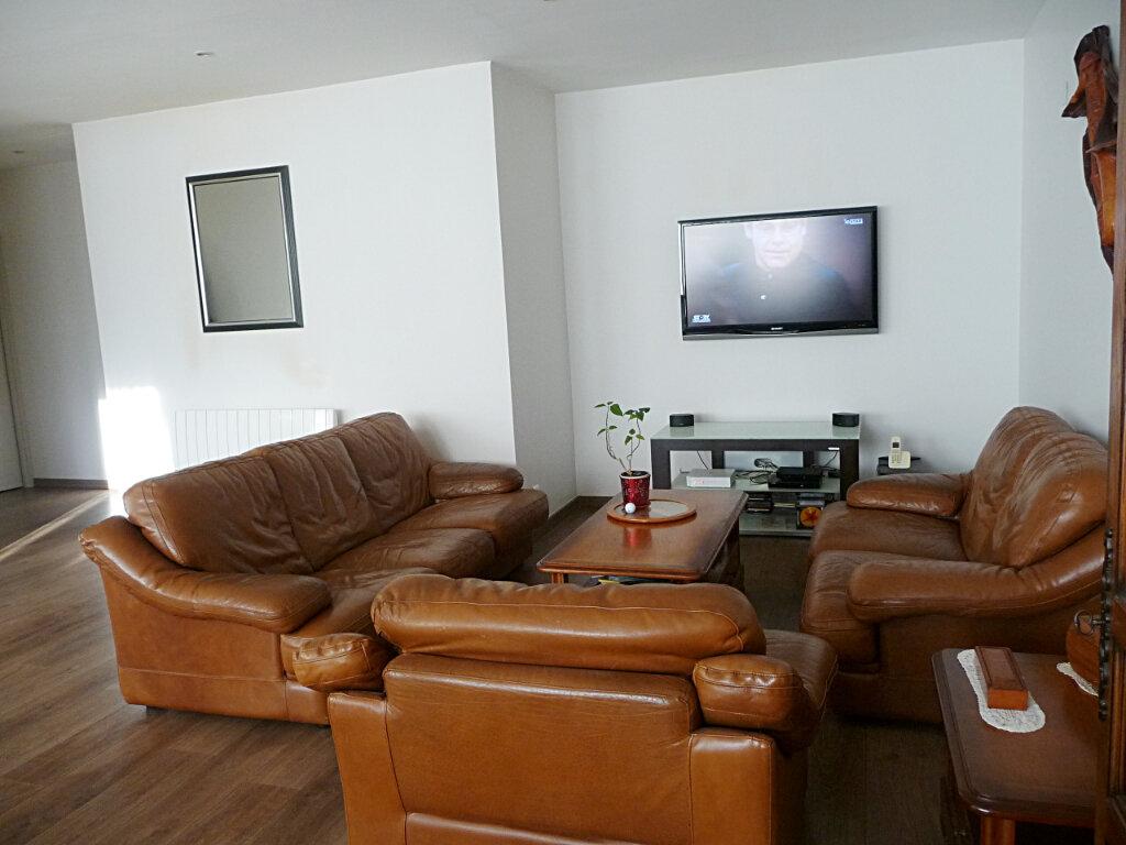 Appartement à vendre 4 101m2 à Bellegarde-sur-Valserine vignette-3