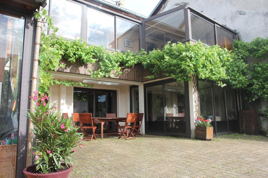 Maison à vendre 5 180m2 à Échenevex vignette-6
