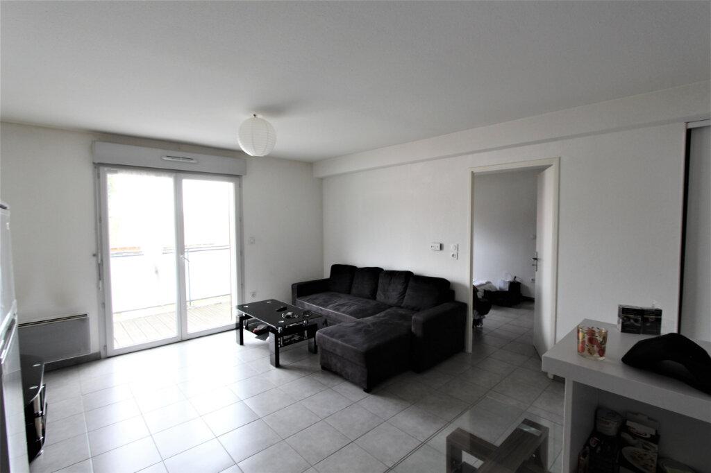 Appartement à vendre 2 43m2 à Saint-Genis-Pouilly vignette-3