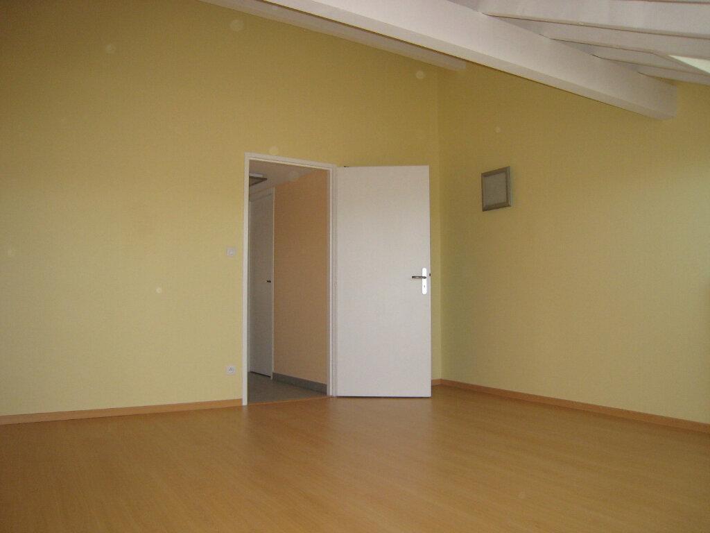 Appartement à vendre 4 78m2 à Cessy vignette-7