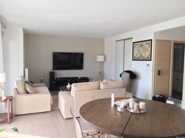 Appartement à vendre 3 81m2 à Saint-Genis-Pouilly vignette-3