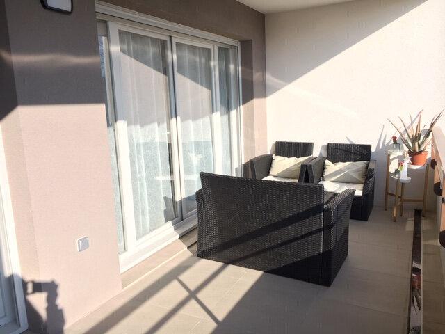 Appartement à vendre 3 81m2 à Saint-Genis-Pouilly vignette-4