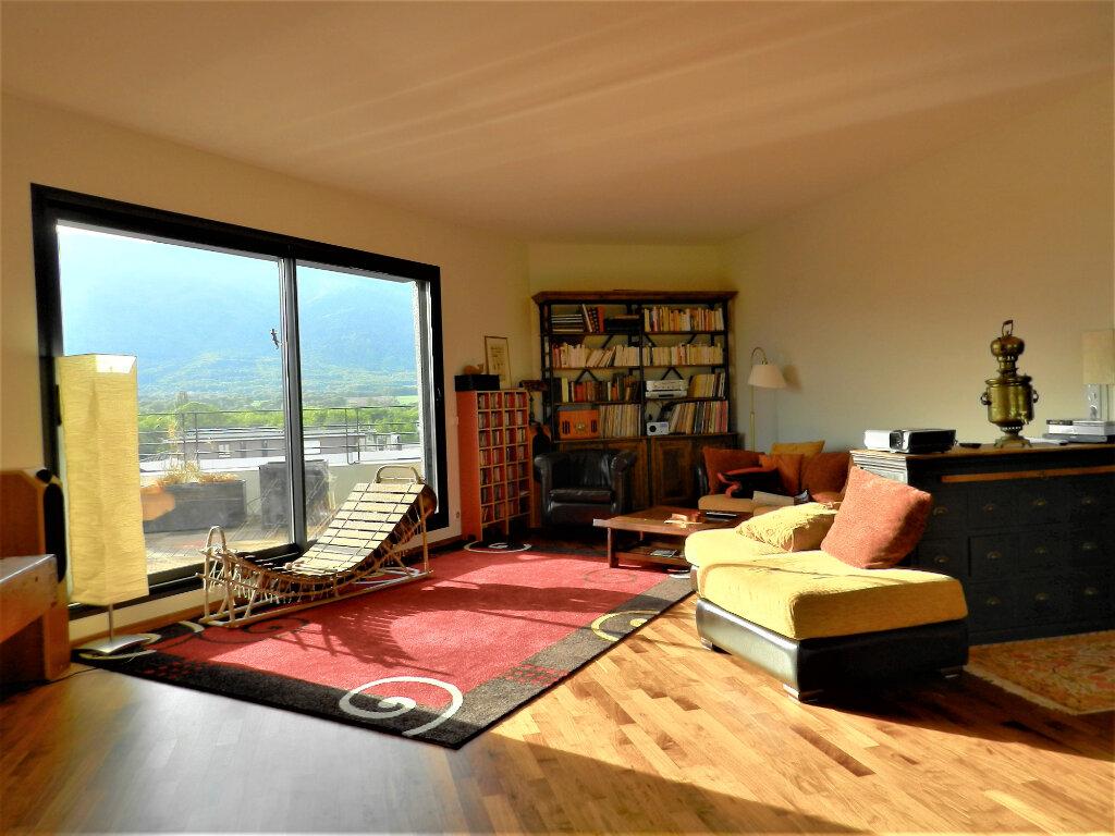 Appartement à vendre 5 257.3m2 à Saint-Genis-Pouilly vignette-3