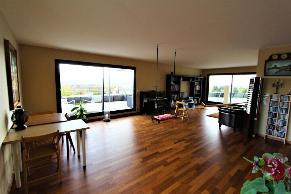 Appartement à vendre 5 257.3m2 à Saint-Genis-Pouilly vignette-5