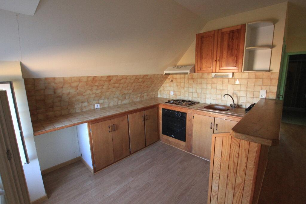 Appartement à louer 3 45m2 à Ruynes-en-Margeride vignette-2