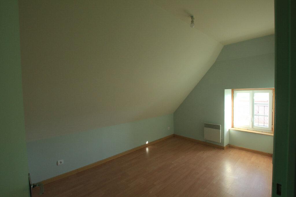 Appartement à louer 3 45m2 à Ruynes-en-Margeride vignette-4