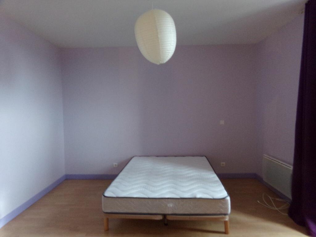 Appartement à louer 1 45.5m2 à Saint-Flour vignette-3
