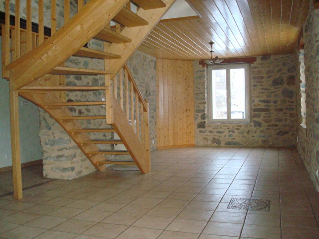 Maison à louer 5 132.2m2 à Saint-Flour vignette-3