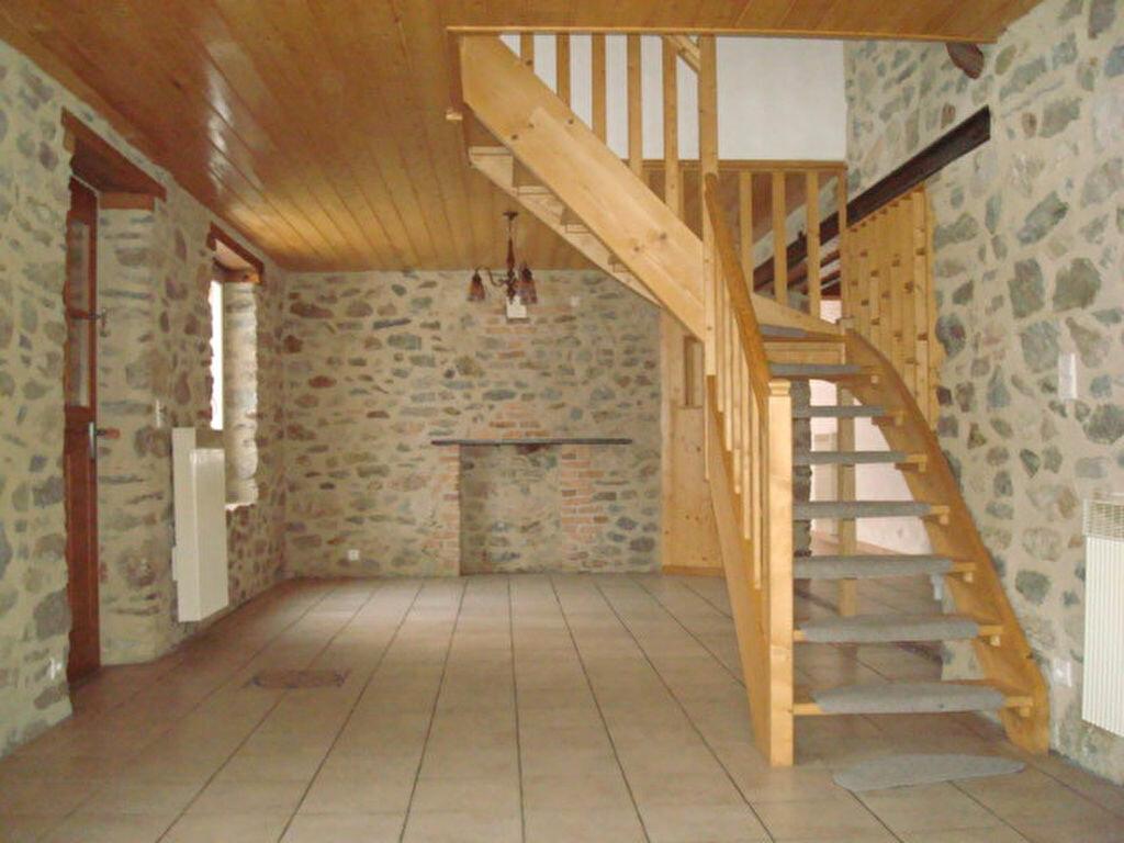 Maison à louer 5 132.2m2 à Saint-Flour vignette-4