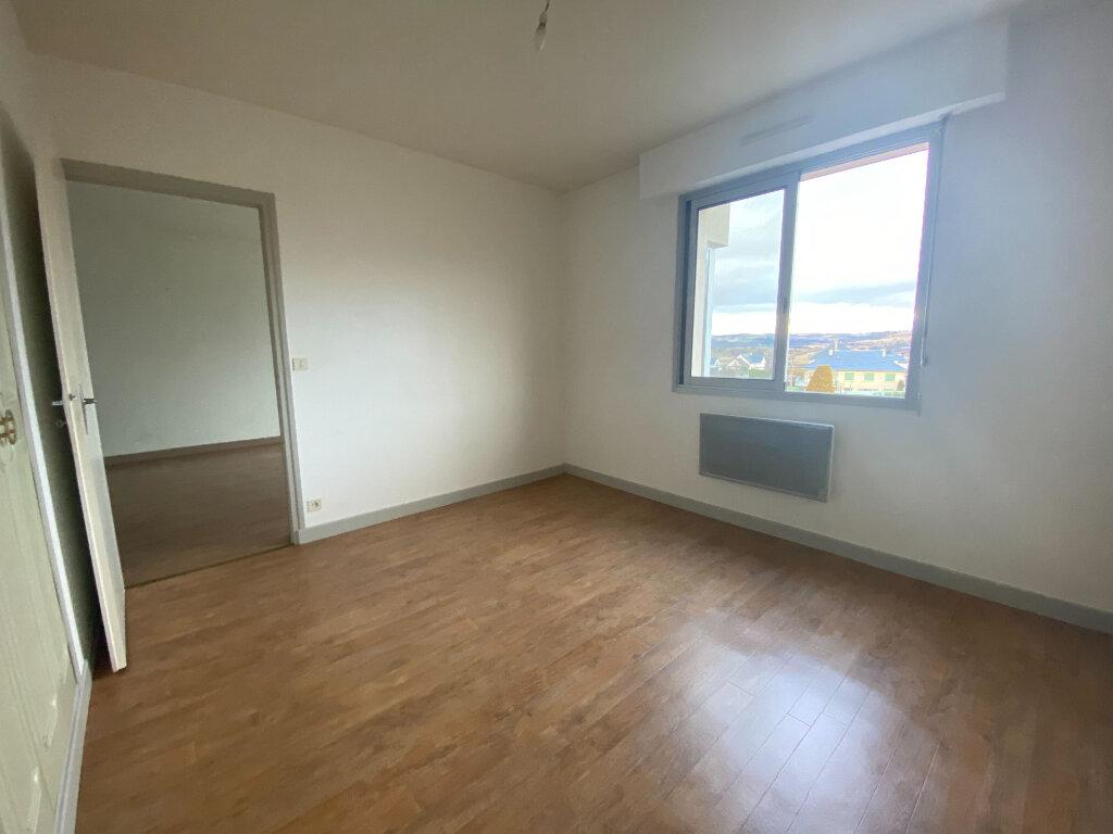 Appartement à louer 2 38m2 à Saint-Flour vignette-5
