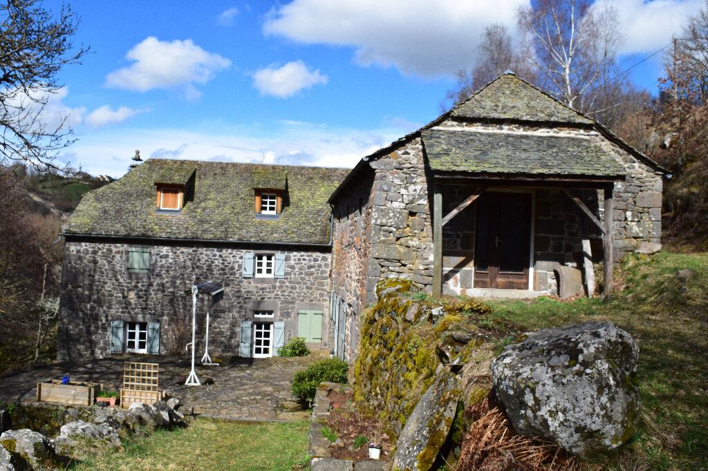Maison à louer 7 163m2 à Les Ternes vignette-1