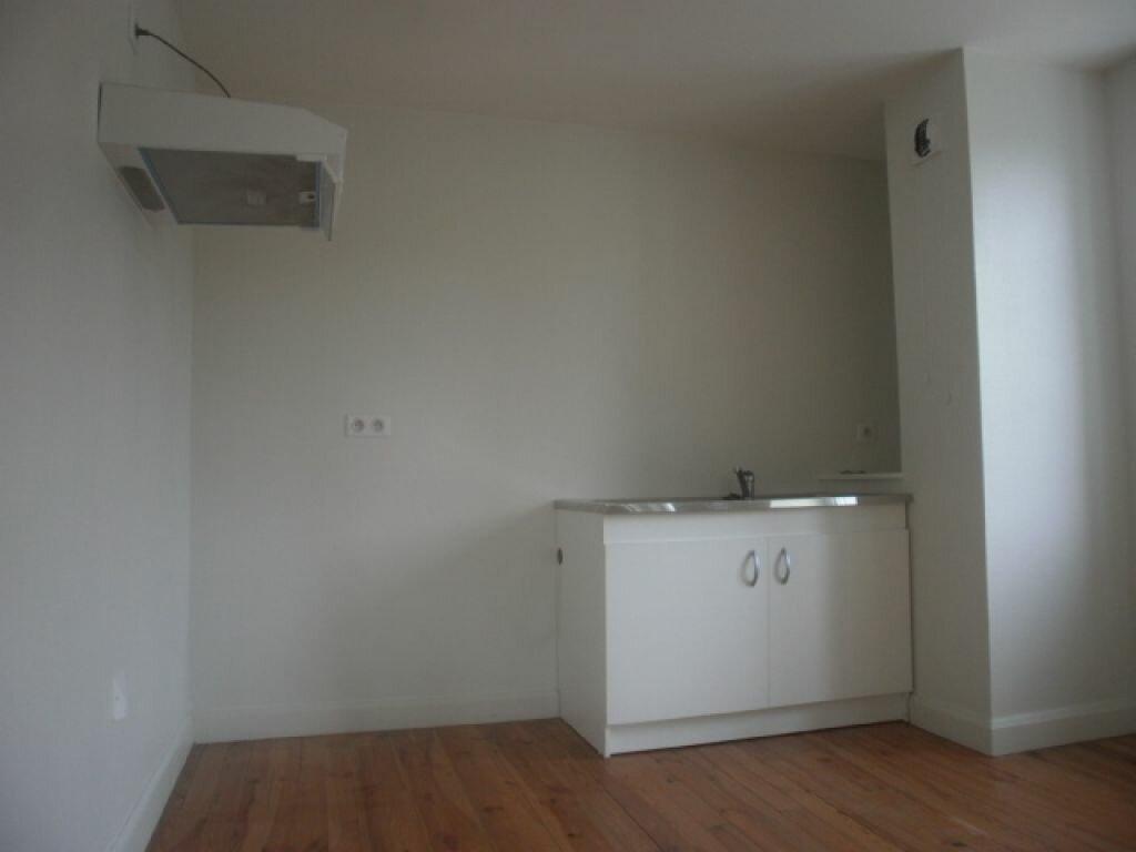 Appartement à louer 2 44m2 à Neussargues-Moissac vignette-5