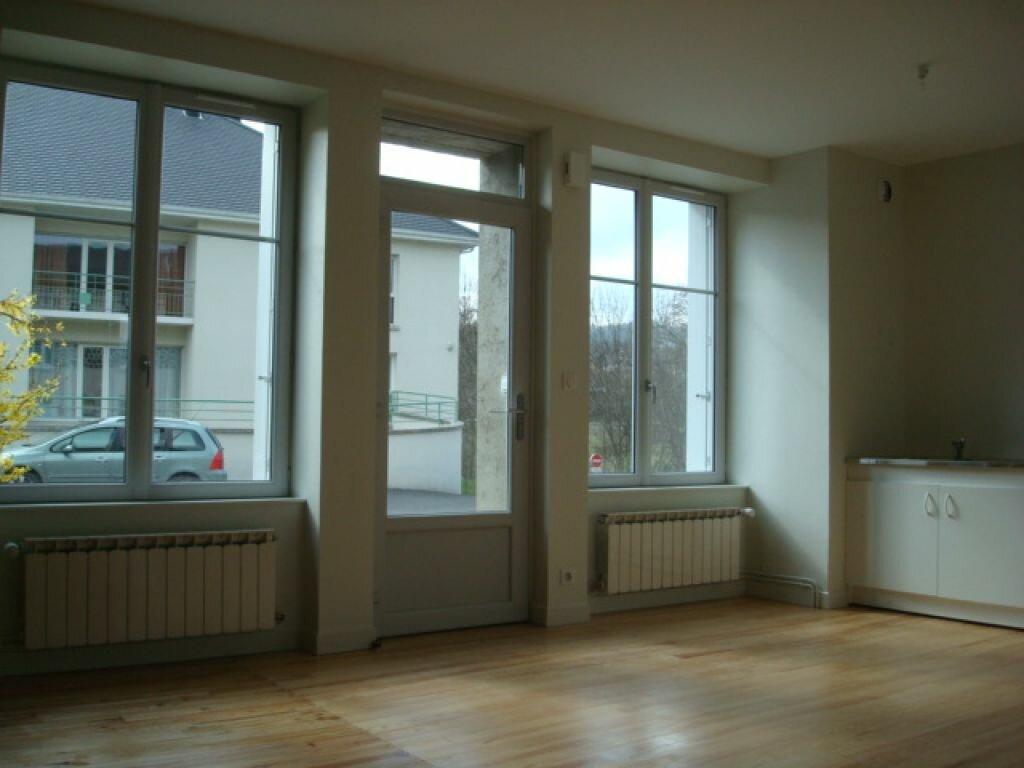 Appartement à louer 2 42m2 à Neussargues-Moissac vignette-1