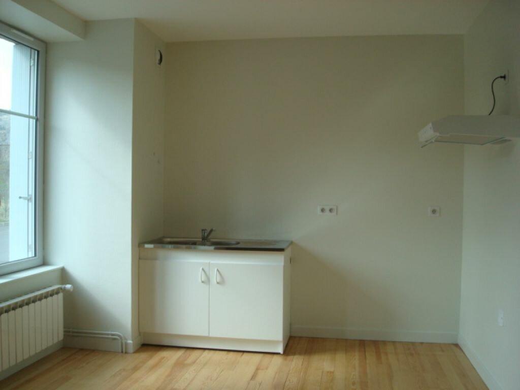 Appartement à louer 2 42m2 à Neussargues-Moissac vignette-2
