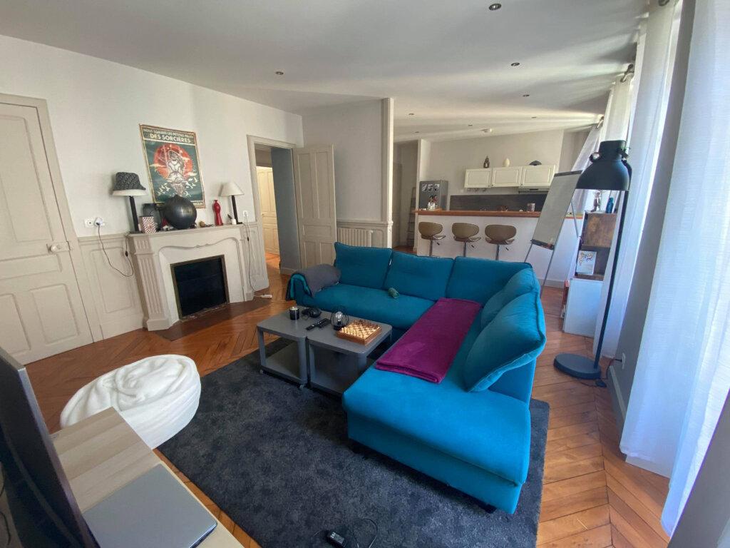 Appartement à louer 4 94m2 à Saint-Flour vignette-1