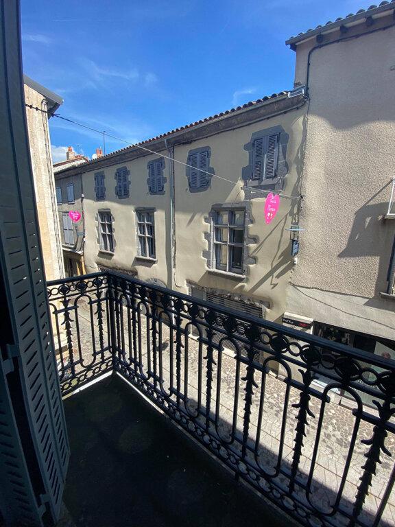 Appartement à louer 4 94m2 à Saint-Flour vignette-4
