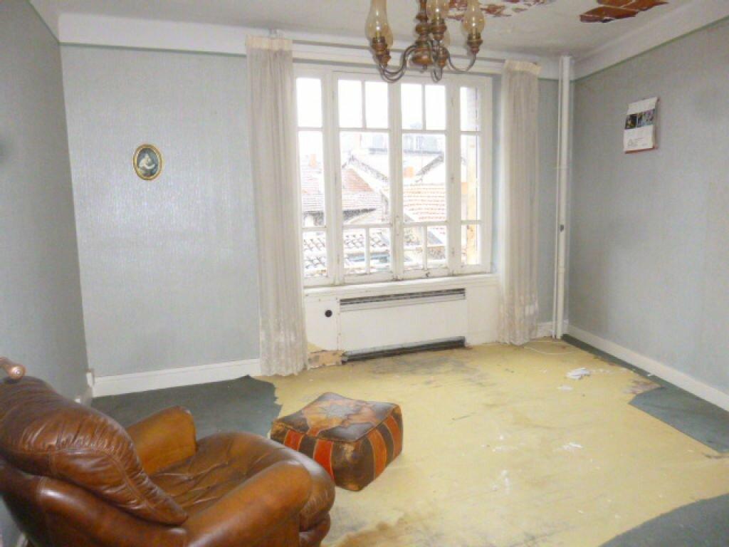 Appartement à vendre 7 117m2 à Saint-Flour vignette-2