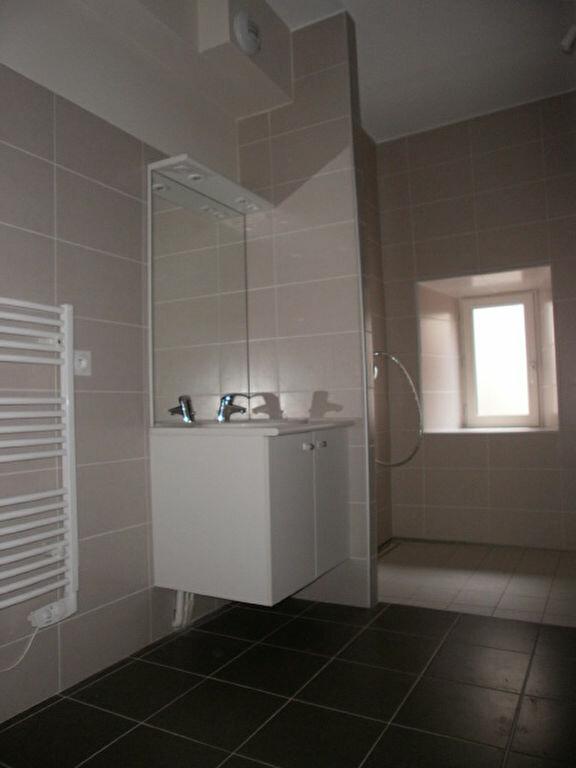 Appartement à louer 2 42.5m2 à Saint-Flour vignette-4