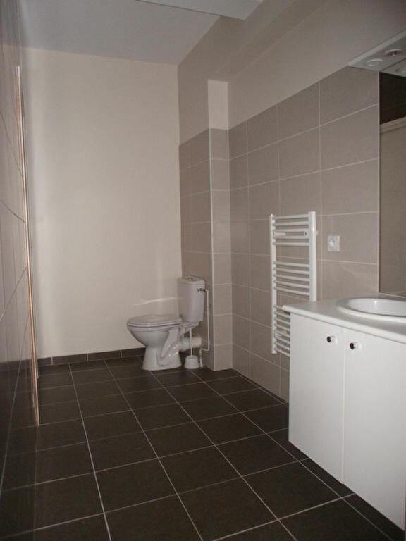 Appartement à louer 2 42.5m2 à Saint-Flour vignette-5