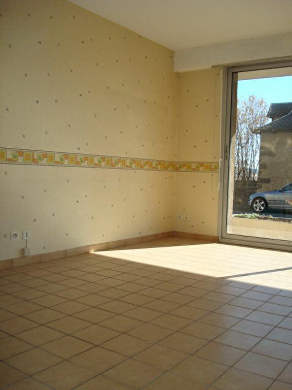 Appartement à vendre 2 55.76m2 à Saint-Flour vignette-1