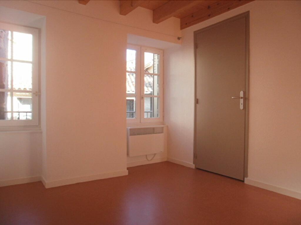 Appartement à louer 4 79.4m2 à Saint-Flour vignette-4