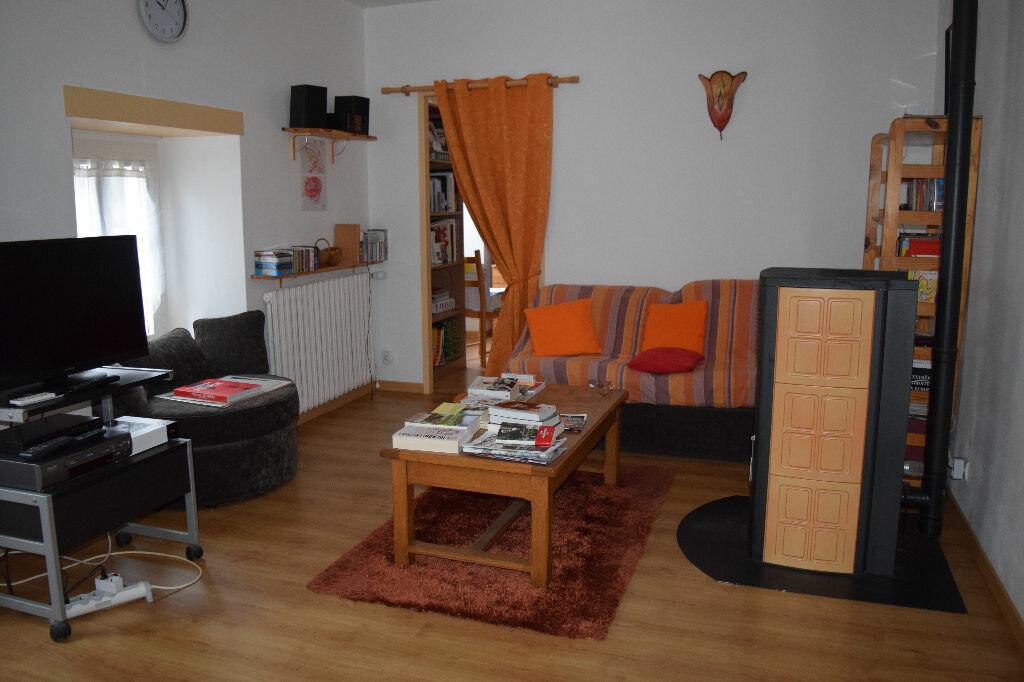 Appartement à vendre 5 104m2 à Ruynes-en-Margeride vignette-4