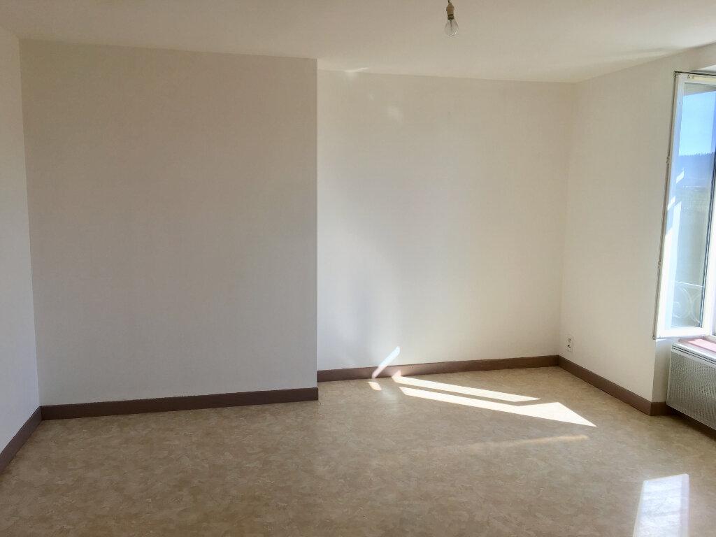 Appartement à louer 2 44.5m2 à Neussargues-Moissac vignette-2